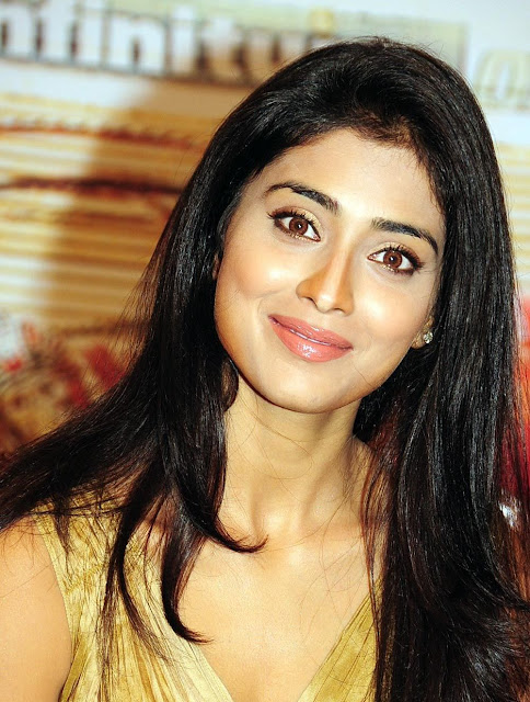 shriya saran hd wallpaper