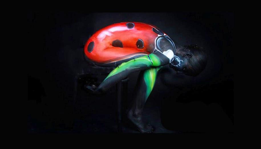 Lukisan Tubuh Manusia Merubah Orang Menjadi Kumbang