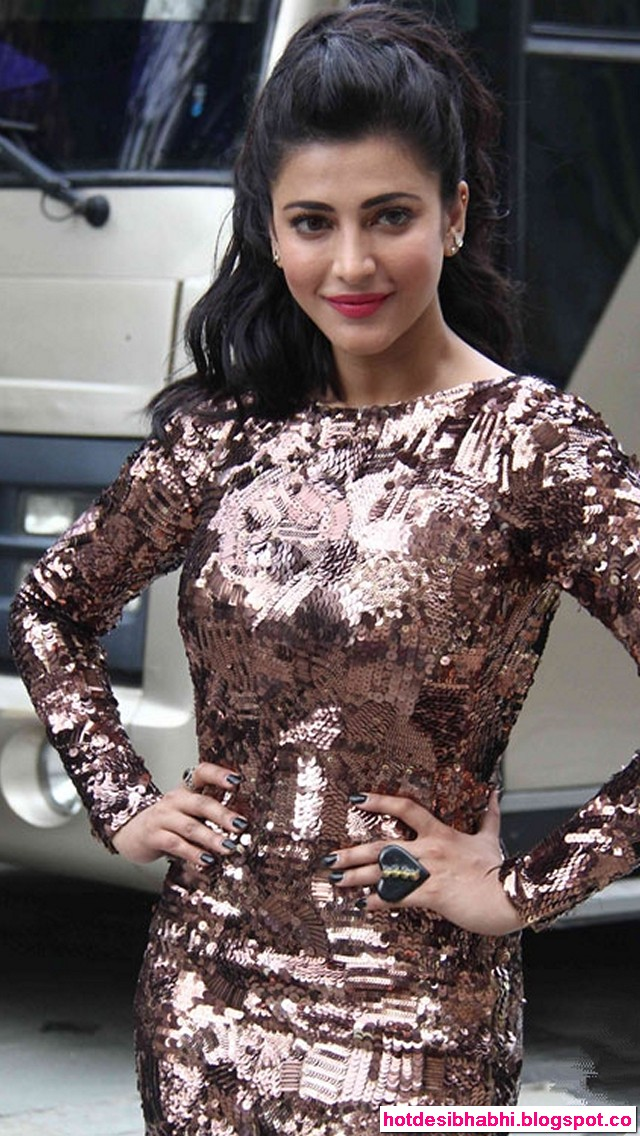 Shruti Hassan in Welcome Back Photos