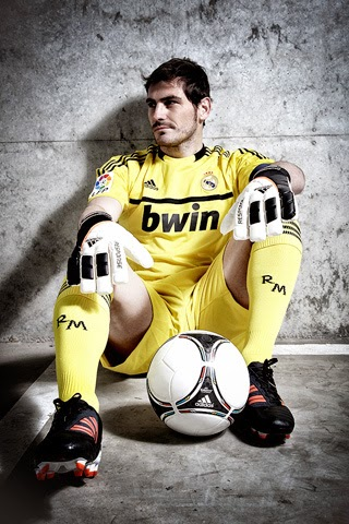 Iker Casillas bulge