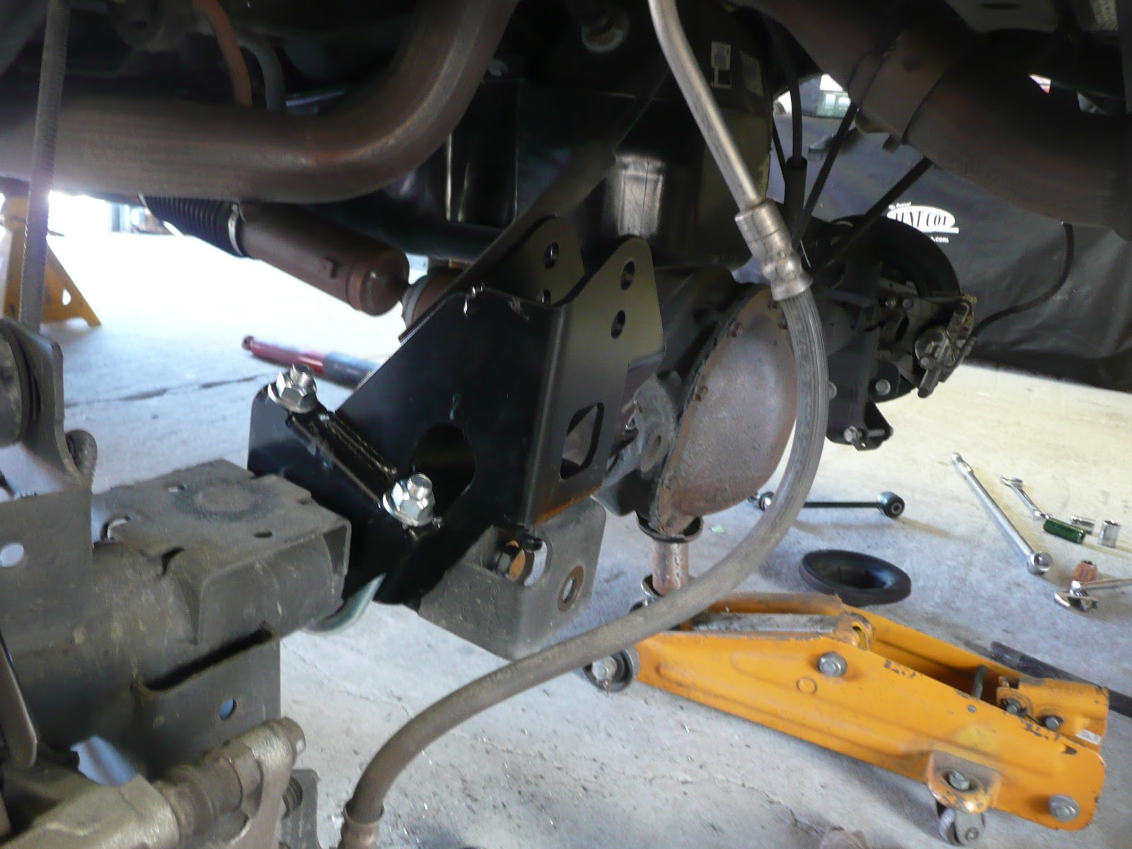 Jeep Yj Rear Suspension Diagram One Of The Key Components Is Ultra Tall Track Bar Bracket