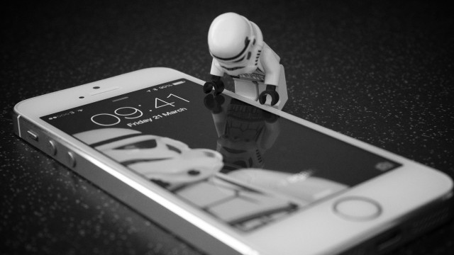 Juiz confuso sobre o porquê procuradores ainda querem iPhone desbloqueado