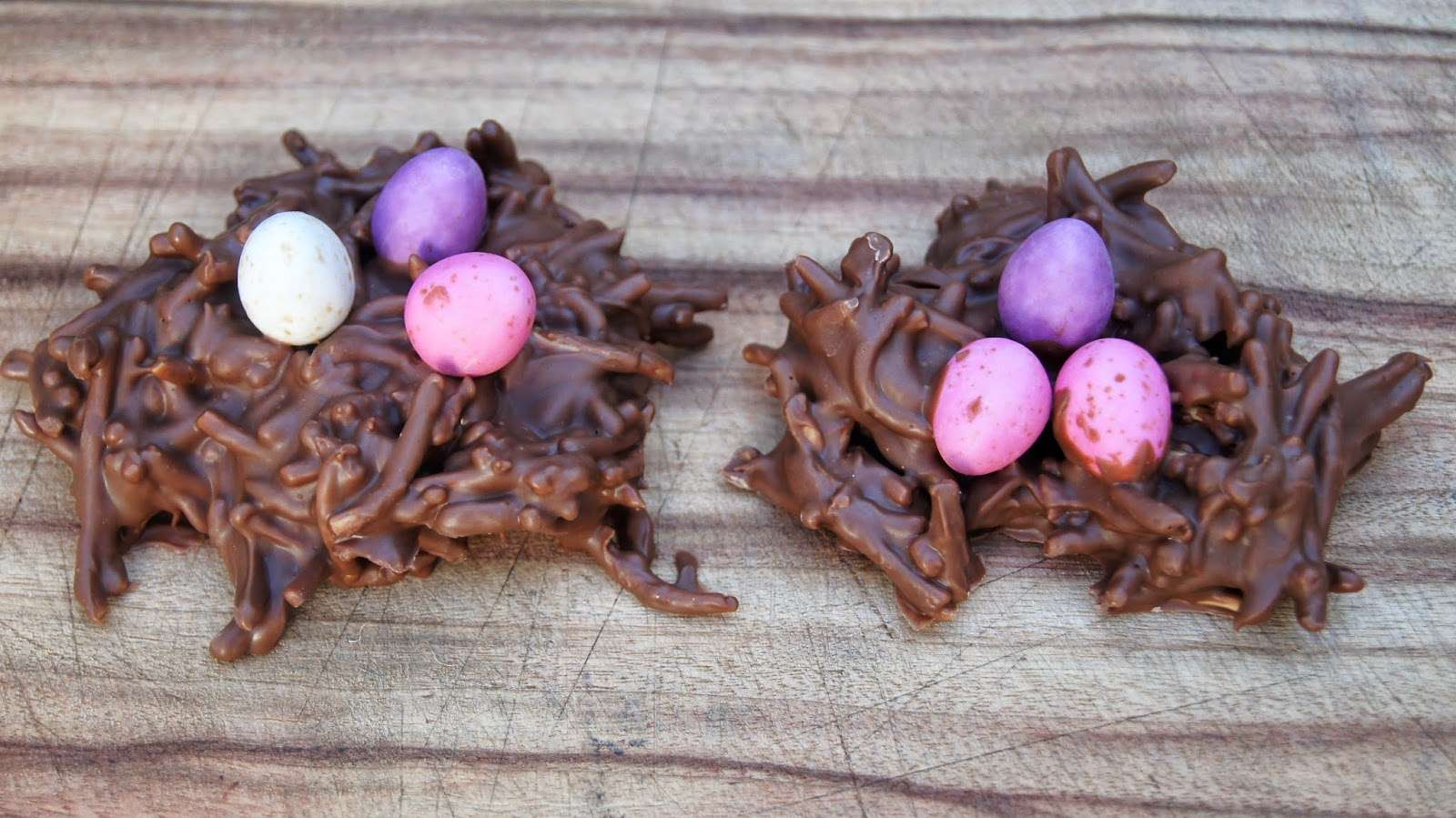 http://froggooseandbear.blogspot.com.au/search/label/chocolate%20easter%20nest