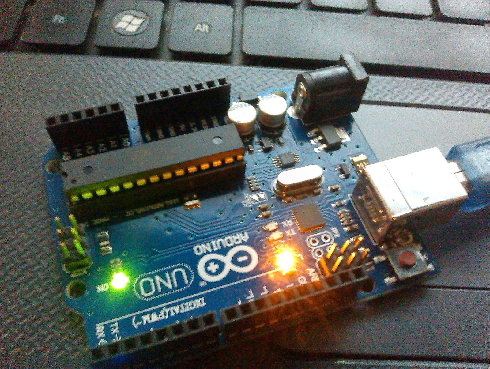 Led On Off Using Serial Commands Arduino Uno R3 Embedded Life Advanced Blink Circuit
