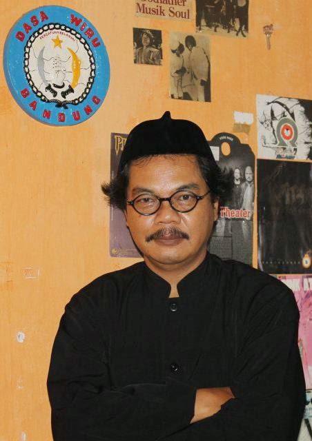 Abah Jatnika, warga rtrw3 Nyo,p;ong Kota Sukabumi