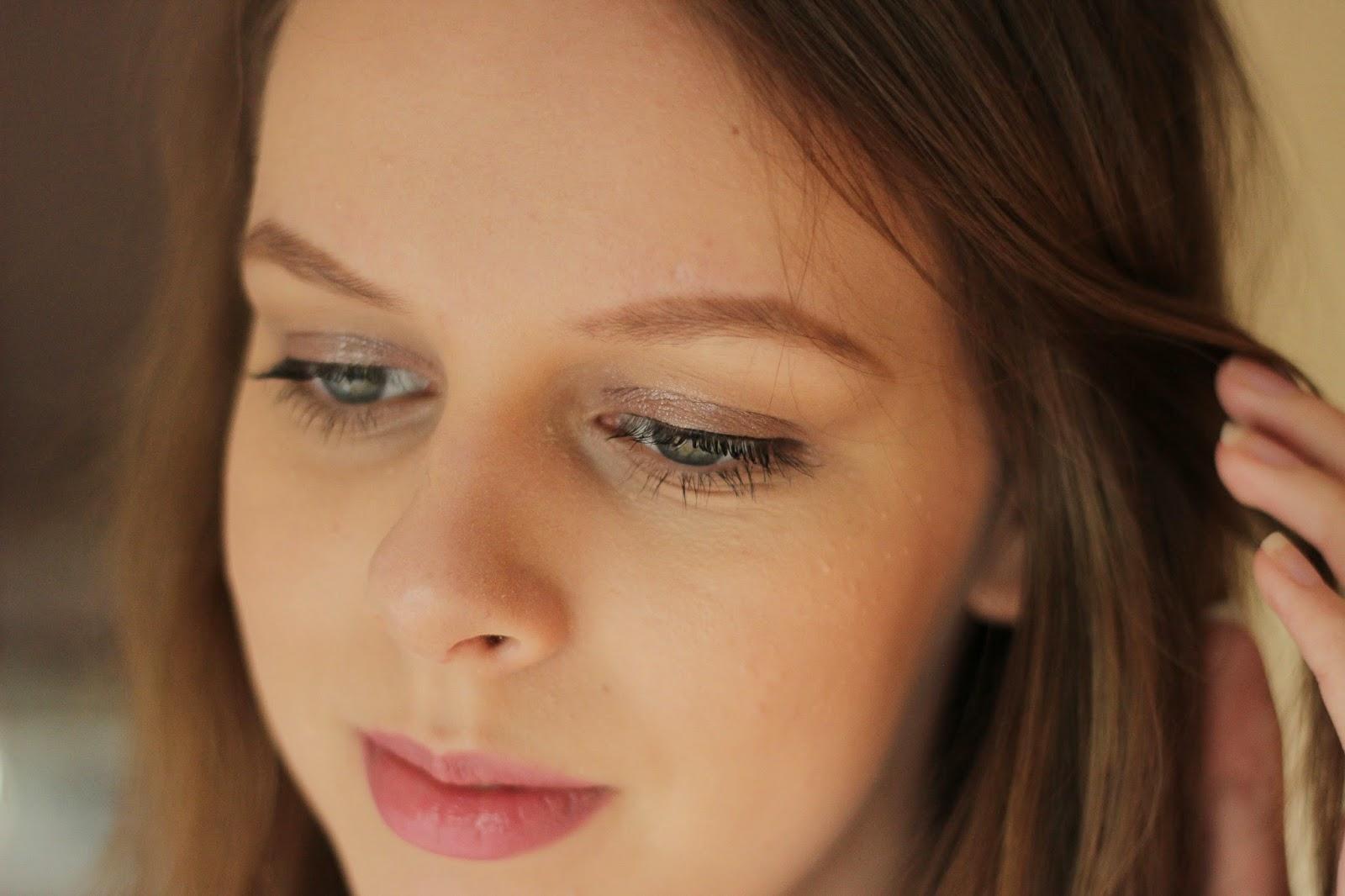 metallic make-up look trend