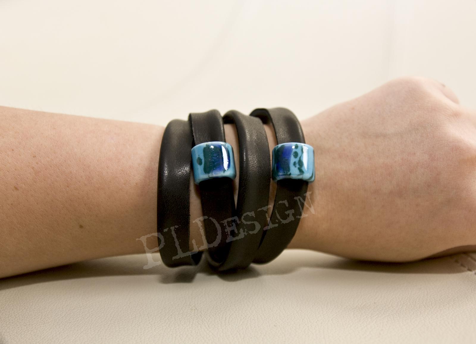 bransoletki z naturalnej skóry indywidualne pojedyncze egzemplarze Ręcznie wykonane bransoletki z naturalnej skóry w pojedynczych egzemplarzach. Idealne na prezent. Zamówienia składać mailowo.