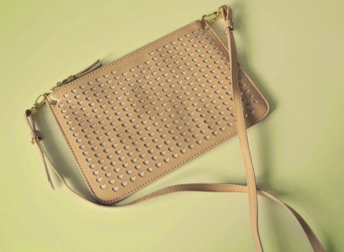nude-evening-bag-laser-cut