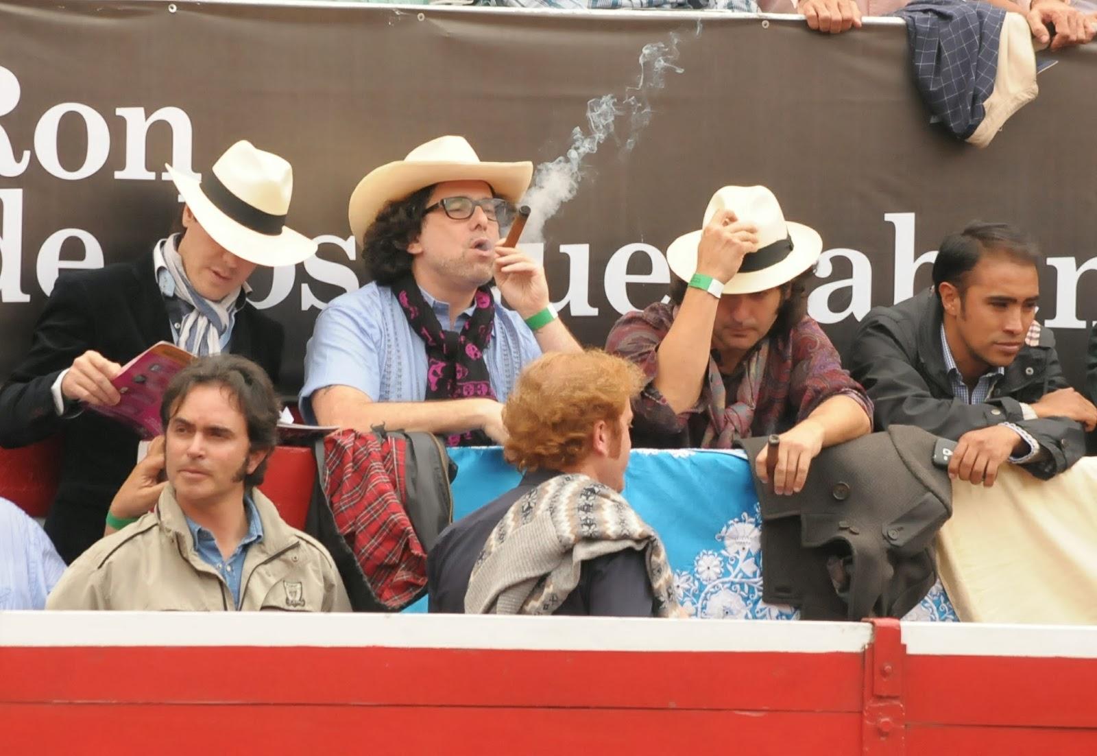 MUNDO FREAK  - Página 38 Andres_calamaro-plaza_de_toros-fa-e0026