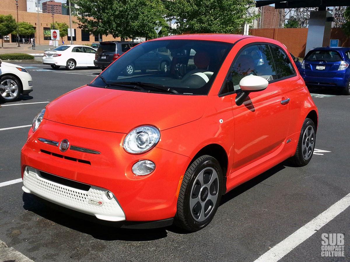 Fiat 500e (Arancio Electtrico)