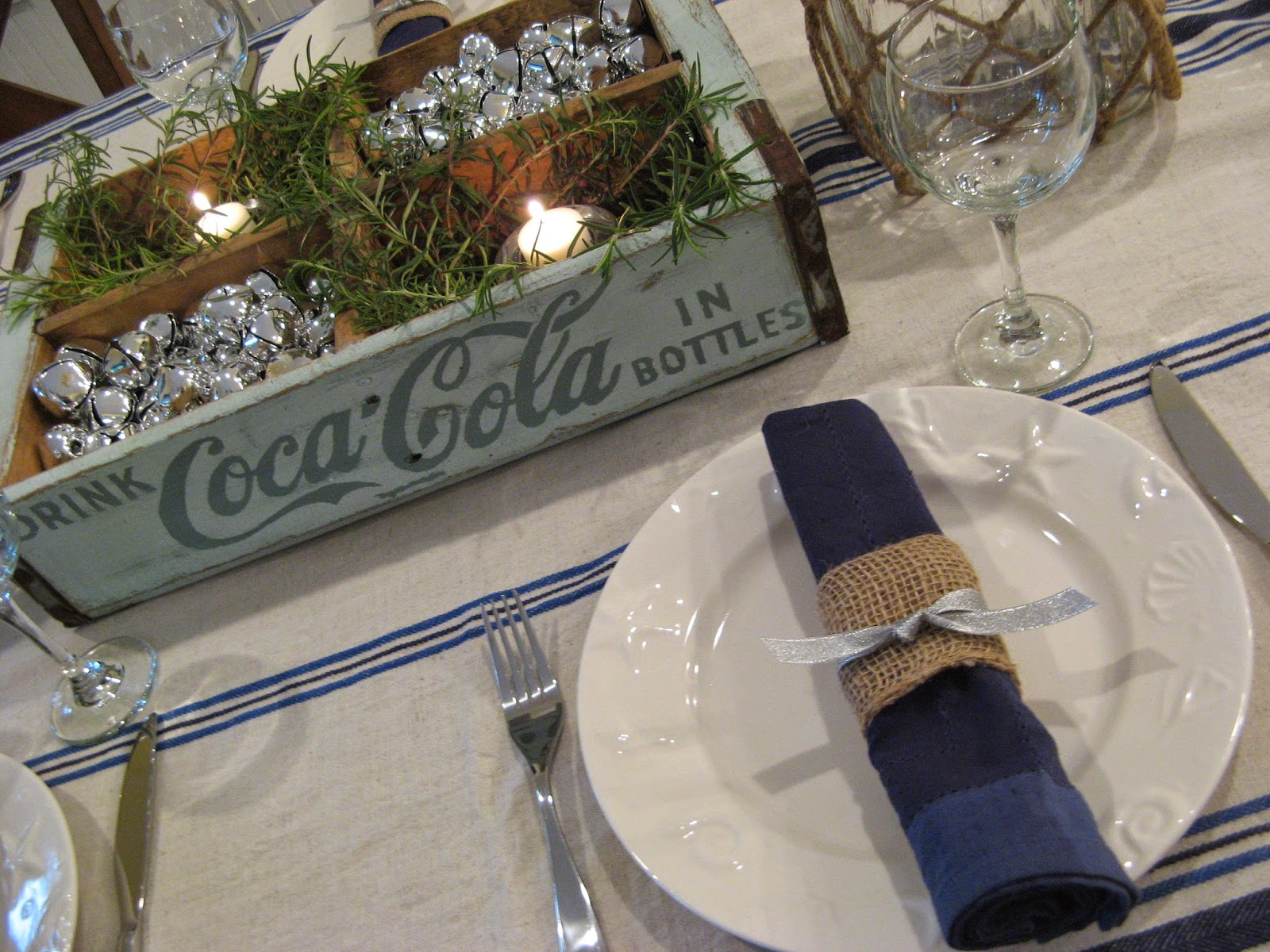 Beach Cottage Christmas - Table Setting