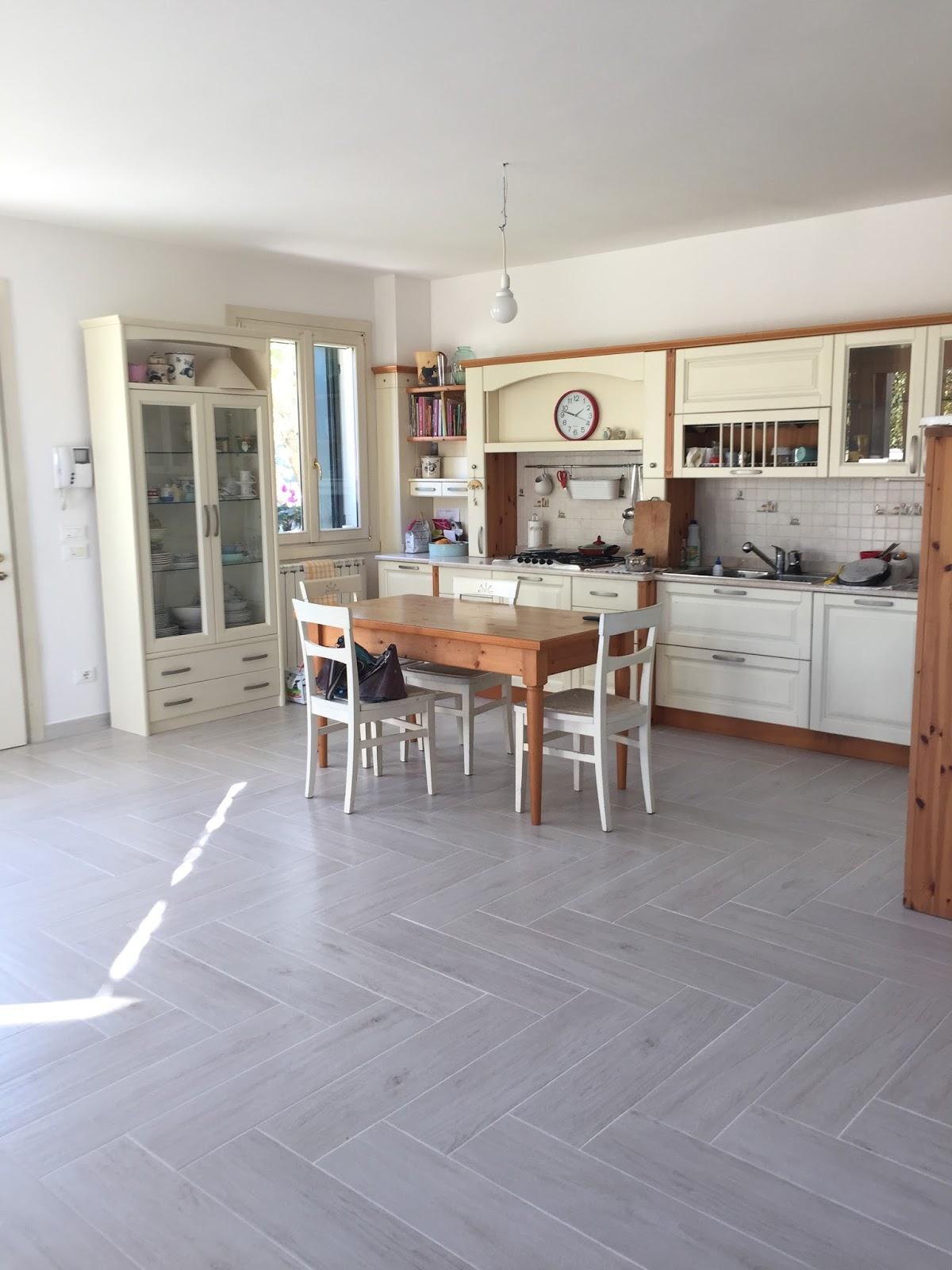 Shabbypassion un grande sala da arredare - Sala e cucina ...