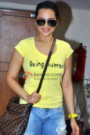 Actress Sonakshi Sinha Hot Pics | Actress Sonakshi Sinha in Yellow