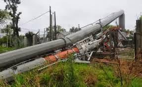 FUERTE TEMPORAL EN URUGUAY DEJA TRES MUERTOS Y MILES SIN ELECTRICIDAD, 25 DE ENERO 2014