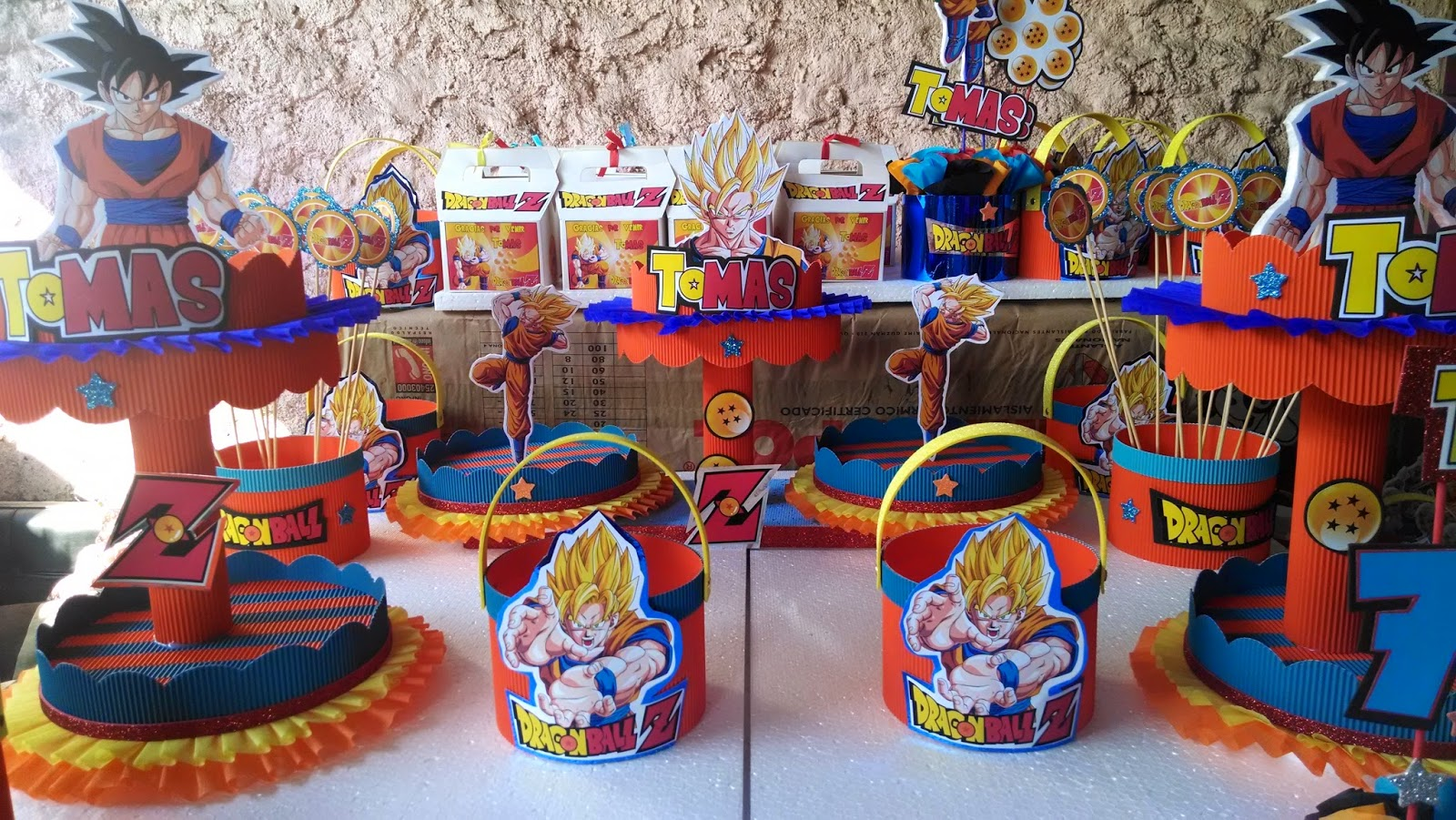 Decoraciones infantiles dragon ball z - Decoracion mesas cumpleanos infantiles ...