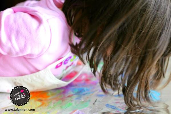 القصدير سطح جذاب لكل طفل للتلوين عليه واختباره