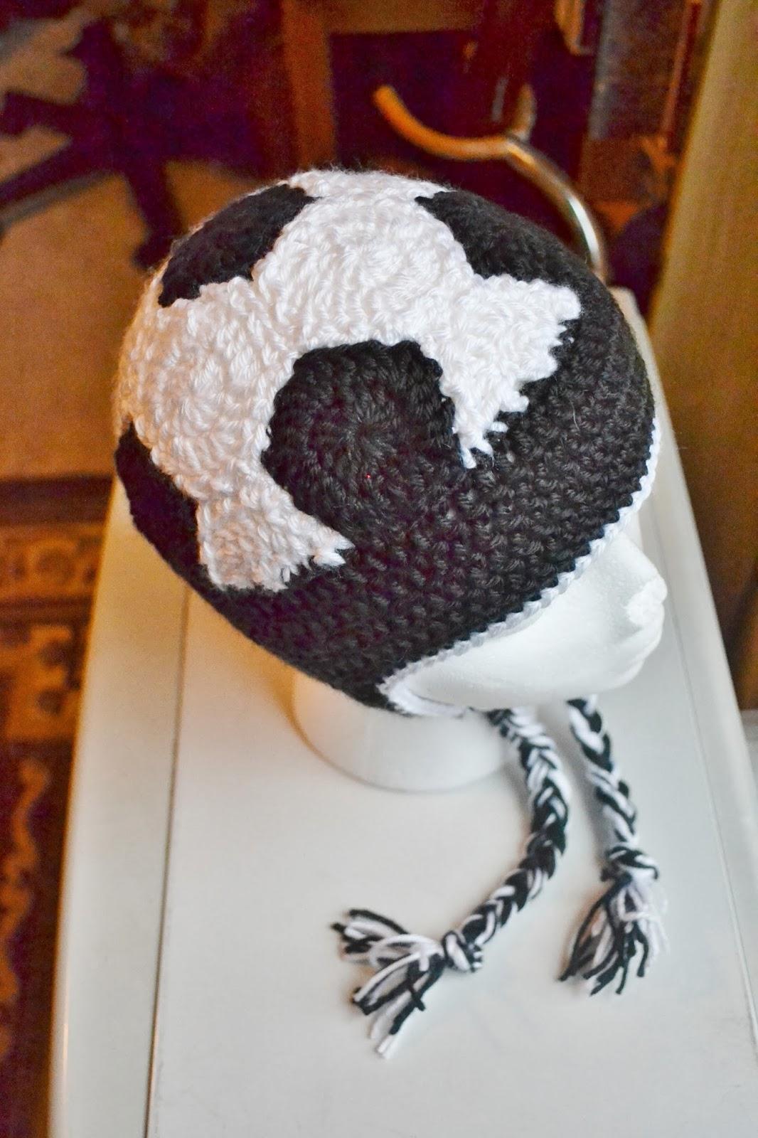 The Sequin Turtle: Crochet Soccer Ball Hat