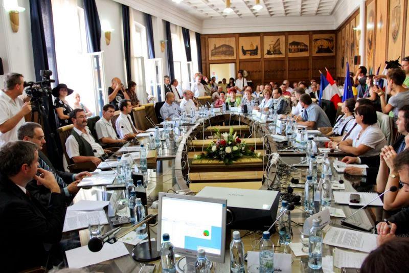 Sepsiszentgyörgy, városi tanács, anyanyelvhasználat, Rodica Pârvan, Mădălin Guruianu,