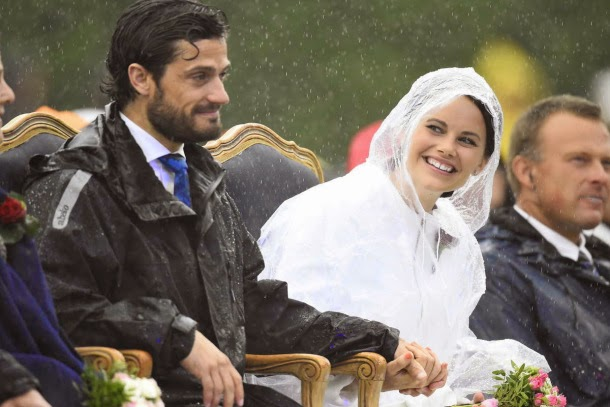 http://speakingofroyals.wordpress.com/2014/07/21/what-we-know-about-prince-carl-philips-fiance-sofia-hellqvist/