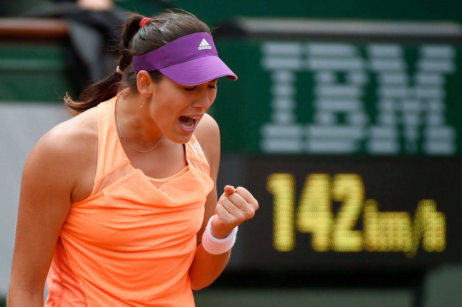 French Open, French Open 2014, Garbine Muguruza, Garbine Muguruza Photo, Maria Sharapova, Maria Sharapova Photo, Paris, Quarter final match, Sports, Tennis, Tennis Players, Women Tennis Players,