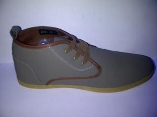 Sepatu Zara High abu-abu muda