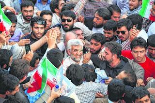 Rakyat Iran keluar mengundi
