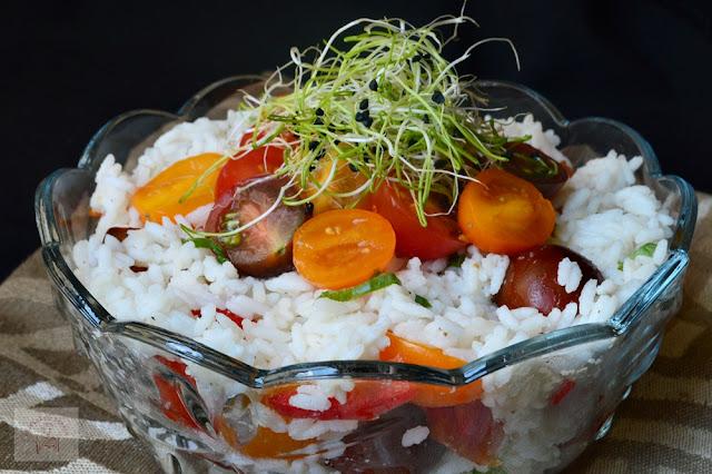 Salata de orez cu rosii cherry