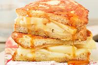 French-toast-de-brie-y-manzana-con-jarabe-de-arce