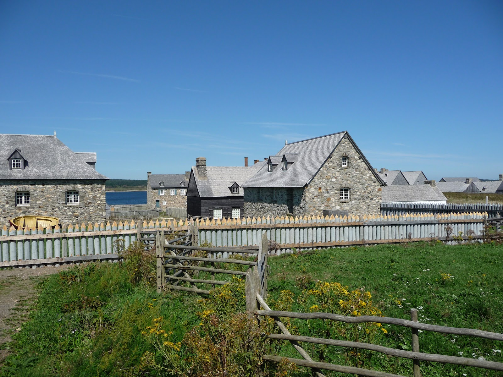 Tom and judy 39 s maritime adventure day 15 louisbourg for Fortress house