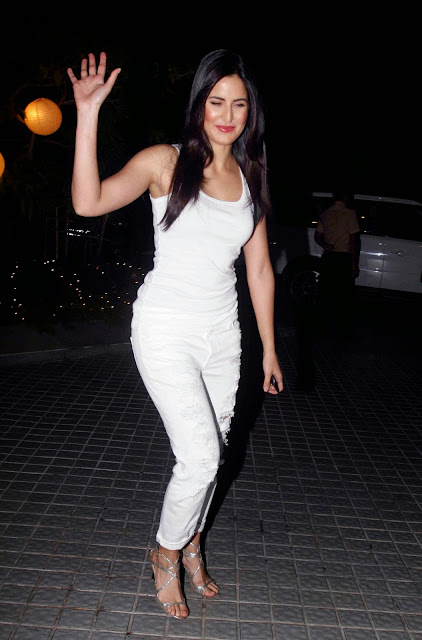 Katrina Kaif Irresistibly Sexy At Farah Khan's Birthday Celebration