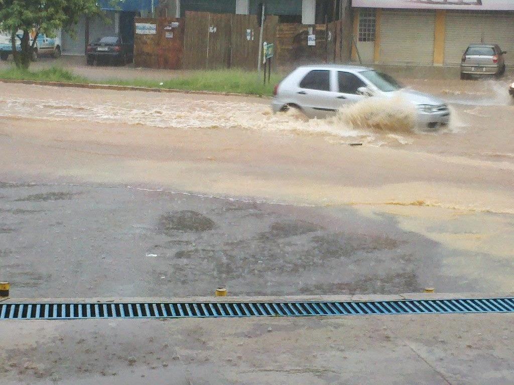 Chuvas provocam transtornos em São Sebastião