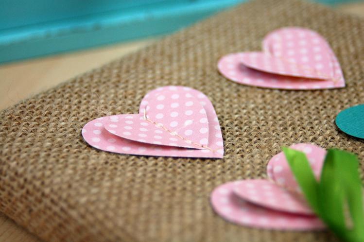 http://1.bp.blogspot.com/-LYuj56FXQDg/VLvR6V0KMnI/AAAAAAAATz4/F7shkpHnnRc/s1600/Stitched-Paper-Heart-Close-Up-Photo-by-Jen-Gallacher.jpg