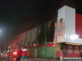 Incêndio atinge supermercado em Esperança na madrugada desta quarta (27)