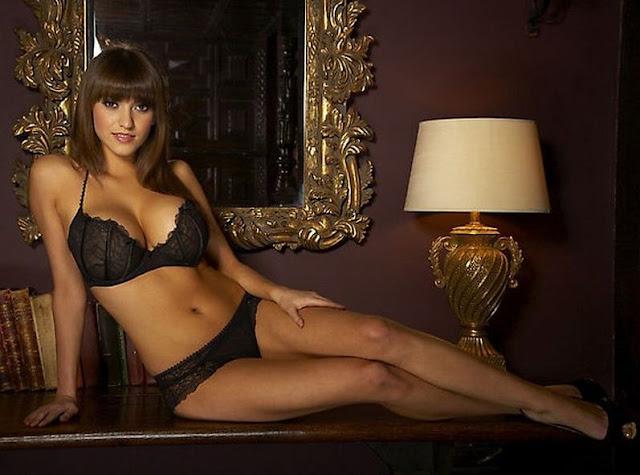 Francoise-Boufhal+in+bikini
