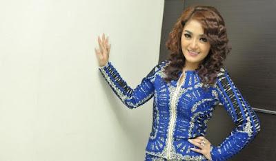 Foto-foto Hot Siti Badriah, Artis Inisial SB