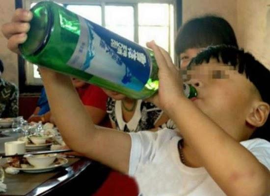 bebe de 2 años es alcoholico