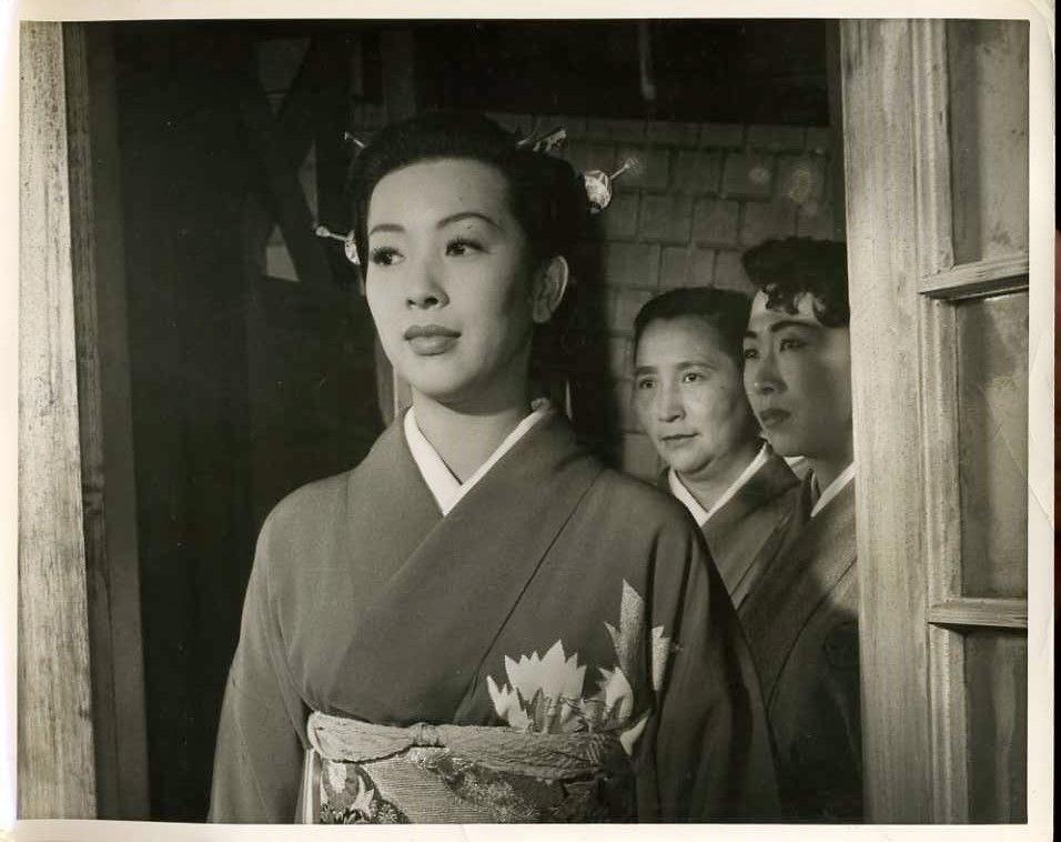 Miiko Taka in Sayonara