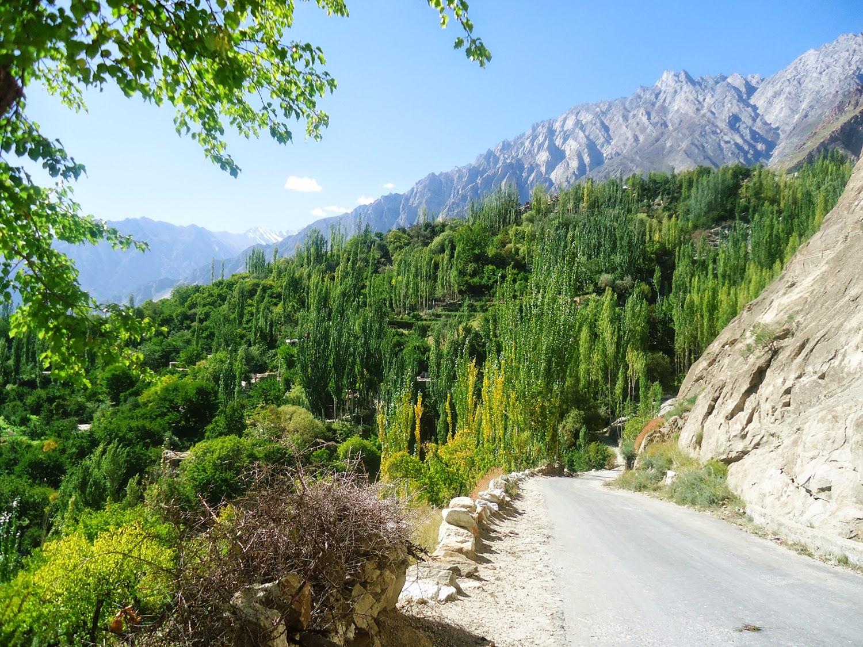 Hunza Valley (www.prettygloss.blogspot.com)
