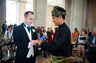 Gambar Ariff Alfian Rosli Kahwin Gay 1