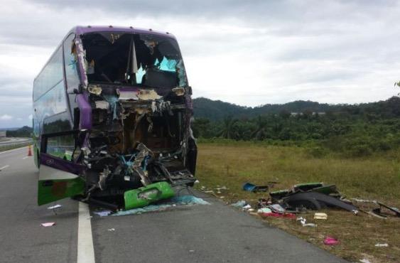 Lagi kemalangan di LPT2, kali ini bas rombongan pelajar