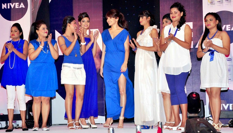 Anushka Sharma at Nivea Flaunt your Back contest