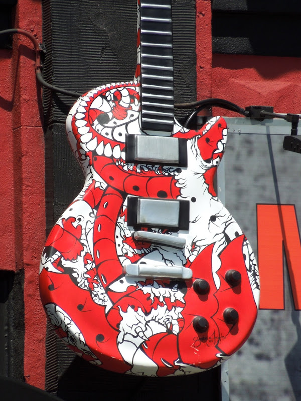 Music Machine guitar body