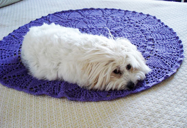 White Tea Doily Rug crochet pattern  by LillaBjornCrochet