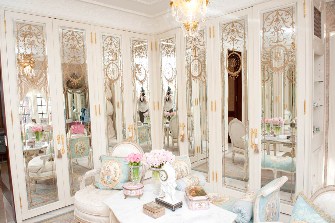 Cream cheese girl closet dos sonhos for Most beautiful dining rooms in paris