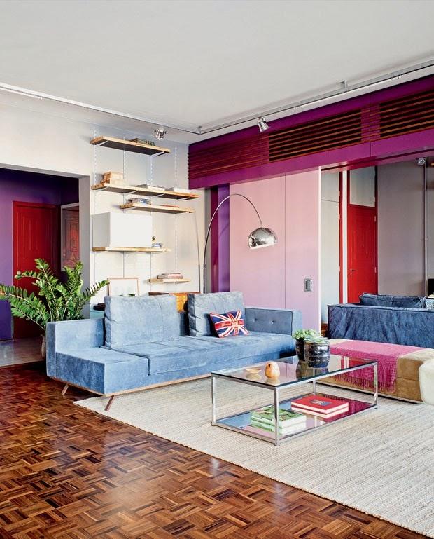 tapete neutro combinando com o piso de taco - Casa Vogue