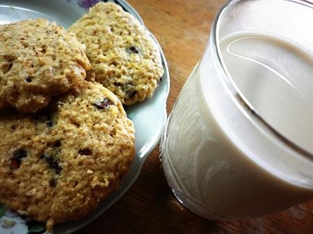 Receta para preparar galletas con chispas de chocolate con leche de soya