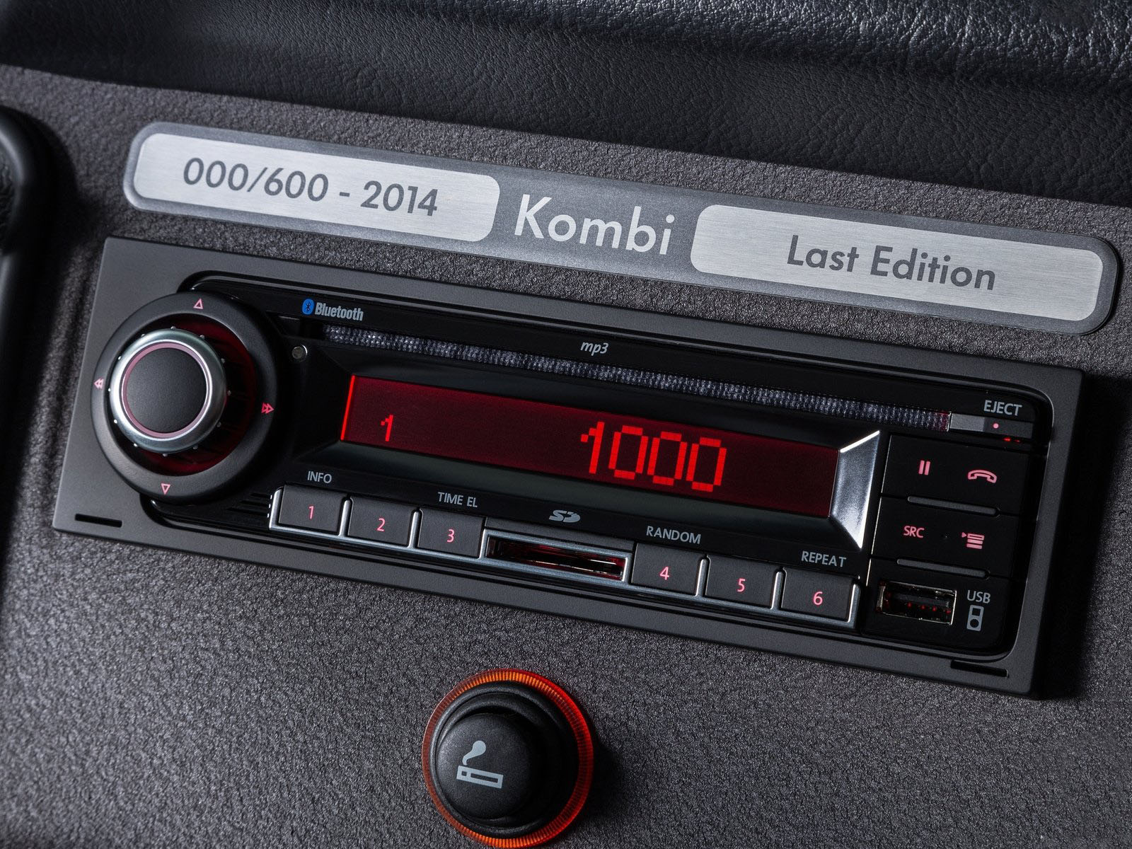 novo Volkswagen Kombi edição especial 2014 radio