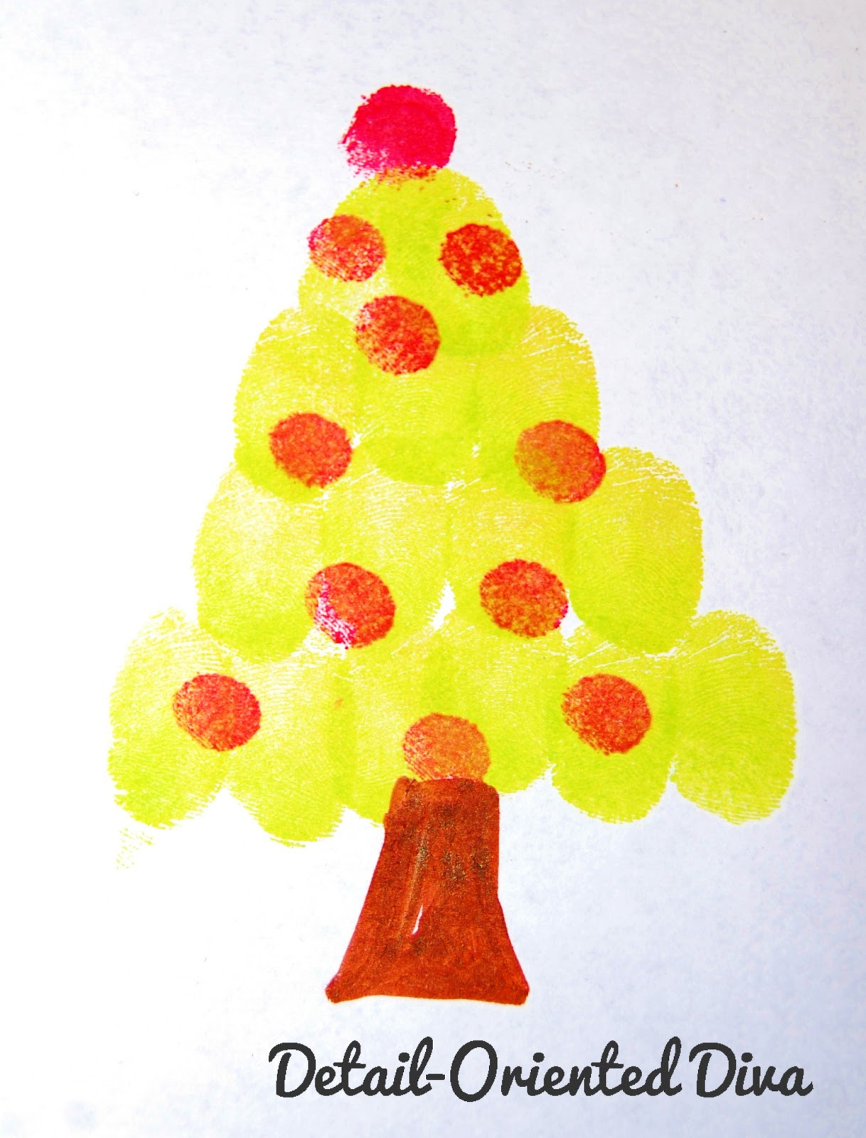 detail oriented diva  i am sure that most of you have your trees up by now but have you made your funprint tree yet this little tree is a quick and adorable craft to do