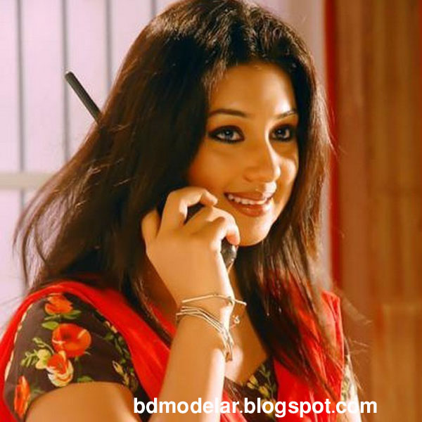 Hot and Sexy Actress Apu Biswas