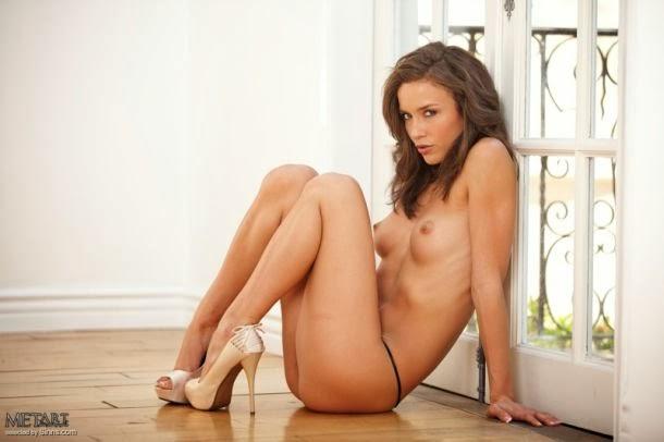 Malena Morgan mulher modelo atriz morena nua pelada met-art